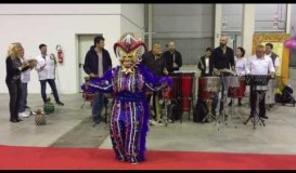 """La Nostra Mascotte """"El Diablo Cojuelo"""" balla a ritmo di Percussioni"""